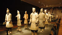 Private Tour: Old Xi'an Day Tour of Terracotta Warriors and Huaqing Hot Springs