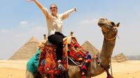 Shore Excursion: Day Tour to Giza Pyramids and Sakkara from Alexandria Port Private Car Transfers