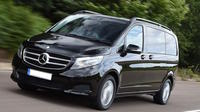 Private Luxury Vehicle Arrival: London Transfer to Southampton Cruise Terminal