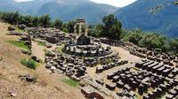 Delphi Highlights: Guided Small Group Day Tour from Athens