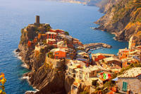 Town-Hopping in Cinque Terre Day Trip and Boat Tour from Rome