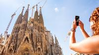 Skip the Line: Park Guell and La Sagrada Familia Guided Tour