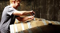 Private Tour of Craft Distilleries and Cognac Vineyards with Tasting from Cognac