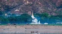 Private Tour:Explore the Wonders of Mandalay Including Lunch on Boat