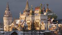 Moscow Private Tour: Izmailovo Kremlin and Vodka Museum