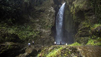 Private Tour: Cordoba Waterfalls Hiking Adventure from Armenia