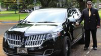 Private Executive Sedan Car Service From Honolulu Airport to Waikiki Hotels Private Car Transfers