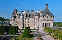 3-Day Mont St Michel and Chateaux Country Tour from Paris