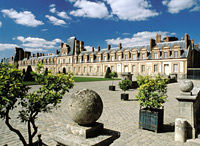 Barbizon, Fontainebleau and Vaux le Vicomte Small Group Day Trip from Paris