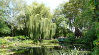 Intimate Half-Day Giverny from Paris with Pick up and Drop Hotel