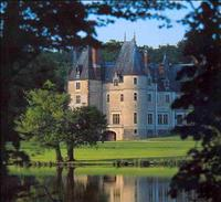Loire Valley Castles Small Group Day Trip from Paris by Minivan
