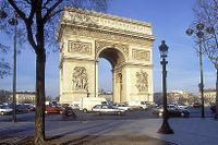 Paris City Tour by Minivan, Louvre Museum and Seine River Lunch Cruise