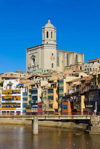 Girona, Figueres and Dali Museum Day Trip from Barcelona