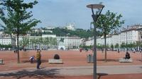 2-Hour Guided Walking Sightseeing Tour of Lyon