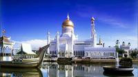 Full Day City and Water Village Tour with Lunch