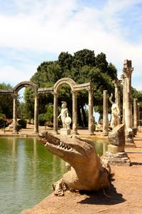 Hadrian's Villa and Villa d'Este Half-Day Trip from Rome
