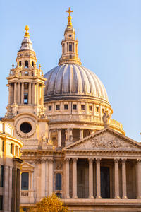 4-Day London Tour: City Highlights by Vintage Bus plus Stonehenge and Bath Day Trip