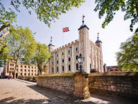 London Full-Day Sightseeing Tour including Tower of London, Changing of the Guard, and Thames River Cruise