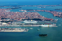 Venice Shared Arrival Transfer: Marittima Cruise Port to Central Venice Private Car Transfers