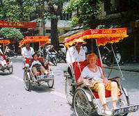 Private Tour: Hanoi City Full-Day Tour including Cyclo Ride