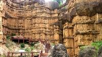 Amazing Chiang Mai Private Day Tour: Authentic Pottery in Muang Kung Village and Grand Canyon Including Wat Ton Kwen Private Car Transfers