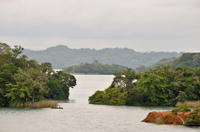Panama Canal and Gatun Lake Scuba-Diving Adventure