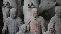 Private Day Tour with Airport Transfer: Xi'an Terracotta Warriors & Horses Museum and City Wall
