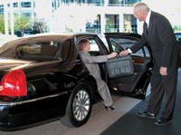 Private Arrival Transfer: San Diego International Airport to San Diego Hotels by Sedan Picture