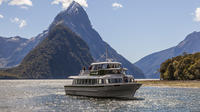 Milford Sound Scenic Cruise, Milford Sound Tours and Sightseeing
