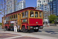 Vancouver Trolley Hop-on Hop-off Tour, Lookout Observation Deck and Vancouver Aquarium Combo