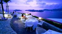 Luxury Alfresco Dinner & Two Drinks at  Diver Show