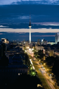 Berlin Supersaver: Hop-on Hop-off City Tour and Sk