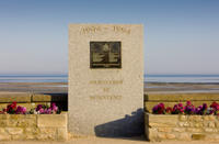 Le Havre Shore Excursion: Private Day Tour of the Juno Beach Center, Canadian Cemetery and Abbey d'A