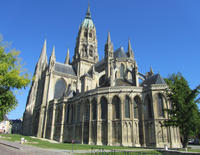 Private Caen Sightseeing and Bayeux Day Trip from Caen