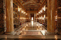 Viator Exclusive: Palazzo Colonna Walking Tour