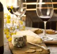 Small-Group Wine and Cheese Tasting in Paris