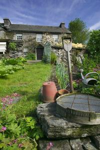 3-Day Beatrix Potter Experience in Lake District Including Lakeland Tour and Lake Cruise