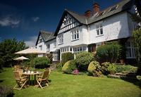 4-Day Lake District Discovery Tour from Windermere including Lake Cruise, Muncaster Castle and Raven