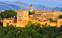 Granada Day Trip from Seville Including Skip-the-Line Entrance to Alhambra Palace and Optional Albai