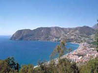 Private Tour: Tropical Coast and Caves of Nerja Day Trip from Granada