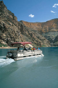 Grand Canyon West Rim Combo: Luxury SUV, Helicopter and Boat