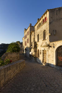 Les Baux de Provence Tour from Avignon: Provencal Wine and Olive Oil