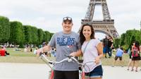 Day Bike Tour with Eiffel Tower Ticket and River Cruise