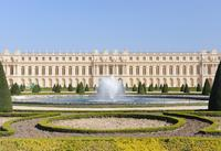 Full-Day Tour to Versailles and the Louvre Including Skip-the-Line Access