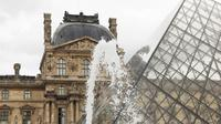 Semi-Private Tour: Louvre Museum With Skip-the-Line Entry