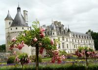 Skip the Line: Chateaux de Chambord, Chenonceau and Loire Valley Wine-Tasting Day Trip from Paris