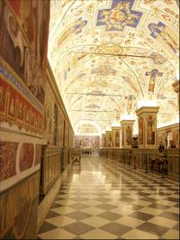 Skip the Line Vatican Museums Walking Tour with Spanish-Speaking Guide: Sistine Chapel and St Peters Basilica