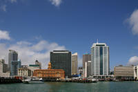 Shared Departure Transfer: Hotel to Auckland Airport