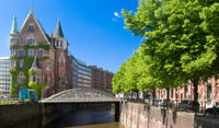 Hamburg Shore Excursion: Hop-On Hop-Off Tour with Harbor and Lake Alster Cruises