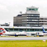 London Shared Departure Transfer: Hotel to Airport